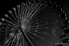 Noria (jesus pena diseño) Tags: wonderwheel street bnw blackandwhite jpena jpenaweb jesuspenadiseño art feria noria fiesta sky lines architecture madrid spain
