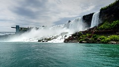 Niagara, American falls (*Raúl*) Tags: rarb1950 geología geology cataratas falls agua water rio river rocas rocks nubes clouds miradores balconies puente bridge ny usa