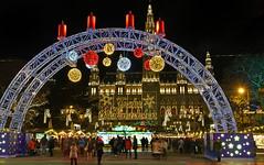 Frohe Weihnachten  -  Merry Christmas   -   Buon Natale   -   Joyeux Noël (karinrogmann) Tags: weihnachten2017 christmas natale noël weihnachtsmarkt wien rathaus christmasmarket