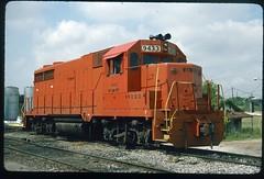 WTNN 9433 (GP-28) at Trenton, Tennessee 25 May 1992 (redfusee) Tags: wtnn