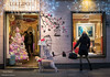 Christmas in Turin (Anteriorechiuso Santi Diego) Tags: torino shopping dog christmas turin