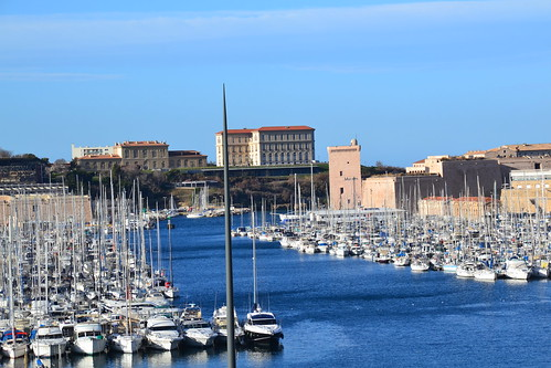 Discover the French Riviera Along the EV8 15