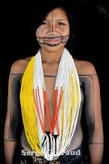 Tapirapé (pguiraud) Tags: sergeguiraud brésil brasil brazil tapirapé picture masquecaragrande maskcaragrande mascaracaragrande tawa kayapo gorotire metuktire tribu tribe ethnie ethnic amazonie amazon amazone indio indien indian matogrosso forêttropicale portrait artducorps labret ornementcorporel hautxingu parcduxingu kuikuro plateaulabial