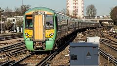 377107 (JOHN BRACE) Tags: 2002 bombardier derby built electrostar 377107 southern livery east croydon station