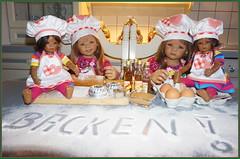 Backen ... mit den Minis ... (Kindergartenkinder) Tags: kindergartenkinder annette himstedt dolls annemoni milina weihnachten advent backen plätzchen leleti reki