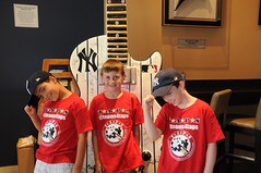 2016_T4T_NYY Field of Dreams 15 (TAPSOrg) Tags: taps tragedyassistanceprogramsforsurvivors teams4taps newyorkyankees yankeestadium yankees bronx newyork mlb fieldofdreams 2016 military survivor indoor horizontal redshirt hardrockcafe boys kids children group posed