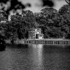 Copenhague-0342 (Christophe La Rocca) Tags: architecture copenhague lestracesdelhomme noiretblanc nature outdoor abandon solitude végétal tristesse patrimoine dark black danemark