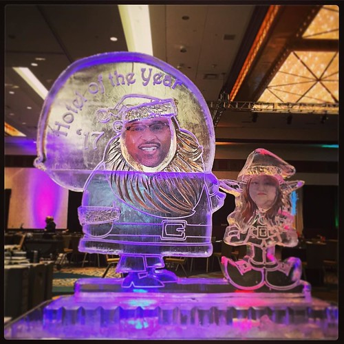 Santa and his helper bringing the good news of hotel of the year! Congrats to the whole staff @hiltonaustintx and thank you for including us in your #Events and this celebration! #fullspectrumice #custom #icesculpture #thinkoutsidetheblocks #brrriliant -