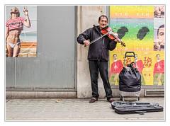 Street Violin (sdc_foto) Tags: sdcfoto street streetphotography color pentax pentaxart k1 london violin colorful music