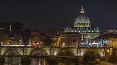 Basilique Saint Pierre - Pont Saint Ange - Rome (valecomte20) Tags: nikon d5500 rome roma pontdesaintange pont bridge water river eau sky longueexposition basiliquesaintpierre vatican ciel