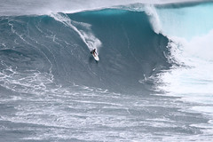 IMG_0117 copy (Aaron Lynton) Tags: ly lyntonproductions jaws peahi surf surfing maui hawaii xxl bigwave francisco porcella