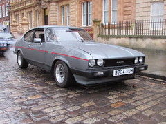 Ford Capri 2.8 Injection Special B204YUH (Andrew 2.8i) Tags: queen queens square bristol breakfast club avenue drivers classic classics auto autos car cars coupe sports sportscar v6 cologne hatch hot hatchback mk 3 mark mk3 special injection 28 capri ford