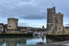 Tours de La Rochelle (Kilian ALL) Tags: la rochelle poitou charente maritime france 17 tours tour chaine saint nicolas port architecture