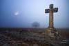 Inquietante (LANTADA Fotografia) Tags: cereal dobleexposicion cruz tierradecampos luna arbol niebla