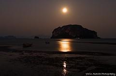 Full Moon Night on Yao Yai (Yarin Asanth) Tags: sleeplessnight beach black night fishermen boats darkness moon nightshot fullmoon kohyaoyai thailand yarinasanthphotography gerdkozikfotografie gerdmichaelkozik