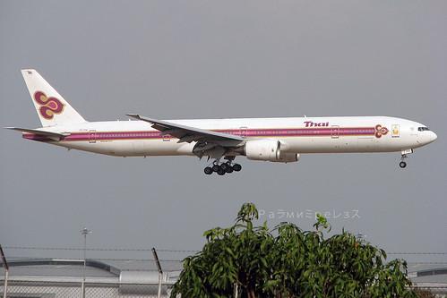 Thai Airways Boeing 777-300 BKK