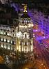 Metrólis, Gran Via (Mariano Alvaro) Tags: edificio metropolis gran via calle madrid noche navidad asfalto coches luces