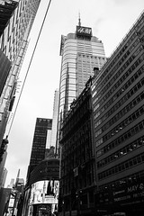 DSC_7005 (MaryTwilight) Tags: newyork humansofnewyork peopleofnewyork nyc bigapple thebigapple usa exploreusa explorenewyork fallinnewyork streetsofnewyork streetphotography urbanphotography everydayphotography lifestylephotography travel travelphotography architecture newyorkbuildings newyorkarchitecture