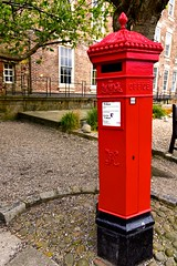 Post-box Red (violetchicken977) Tags: redthings victorianpostbox durhamcity