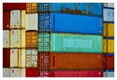 colourful around the world (Blende1.8) Tags: container overseascontainer colors colours vivid colorful colourful rotterdam hafen port sony alpha emount a7ii ilce7m2 carstenheyer a7m2 24240mm details bunt farbig farben rot red blau blue