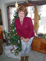 The Wisconsin Housewife, Apres Christmas (Laurette Victoria) Tags: sweater leggings auburn woman laurette xmas