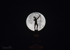 Ad Astra Silhouette (Jonathan Tasler) Tags: fullmoon topeka kansas silhouette capitol adastra statue