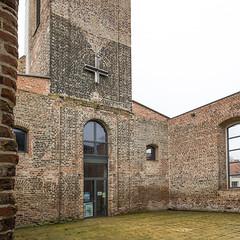 Einsichtige Kirche (Panasonikon) Tags: panasonikon sonya5100 canon1018 pfarrkirchevierraden kirche architektur kultur mauerwerk quadrat 1zu1