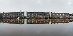 Amstel Panorama (genf) Tags: amstel ouderkerk achterdijk amsteldijk weerspiegelingen reflections reflecties huisjes huizen houses mansions boats boten ships quiet rustig wolken clouds cloudy bewolkt winter grijs grey gray sony a99ii panorama outdoor buiten