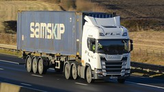 FX67 NXB (panmanstan) Tags: scania r450 wagon truck lorry ng commercial container freight transport haulage vehicle m62 motorway sandholme yorkshire