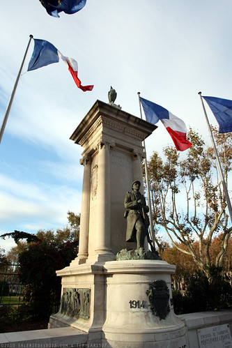 FR10 9493 WWI Monument. Narbonne, Aude, Languedoc
