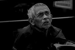 aquí estoy (Momoztla) Tags: mexico momoztla tercera edad ancianos mendigando limosna buscando emergencia