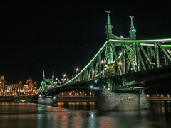 Liberty_bridge_Budapest_004 (Dreamaxjoe) Tags: longexposure bridge hosszuzarido szabadsaghid budapest