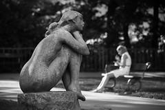 Anhelo. (Jose_Pérez) Tags: anhelo deseo suspiro parque longing desire sigh park street streetphoto urban blancoynegro blackandwhite monocromo praga