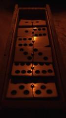 DoMiNo (VinZo0) Tags: domino macro bois wood jouet jeu game point light lumiere bougie candle boite