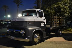 Mooneyes X-Mas Party 2017 (USautos98) Tags: 1955 ford coe cabover truck