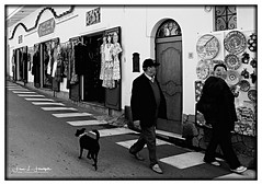 """Street seen"" #2 (""SnapDecisions"" photography) Tags: italy 2008 positano nikon bw d300"