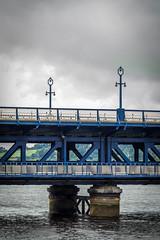 UK - Irlanda del Norte - Londonderry - River Foyle and Craigavon Bridge (Marcial Bernabeu) Tags: marcial bernabeu bernabéu ireland irish northern irlandes irlandés irlanda norte northernireland londonderry derry blue bridge river puente rio río foyle craigavon marc