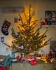 """Weihnachtsbaum """"Coca Cola"""" 2017 (rieblinga) Tags: weihnachtsbaum weihnachten coca cola kugeln schilder lok 2017 bären dosen handschuhe beleuchtung"""