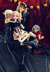 We Take the Worst Family Portraits (Fel Arkanna) Tags: bjd fantasy fae fairies elf elves fairy magic goth gothic grunge punk unidoll ark fairyland minifee cp cerberusproject luts volks miisha shiwoo dim dollinmind flowne