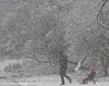 op de slee (Marjon van der Vegt) Tags: sneeuwdenhaag koud sneeuwval sleeen sneeuwpop