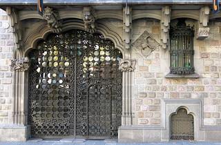 The Palau Baró de Quadras (1904-06), by Josep Puig i Cadafalch, Barcelona