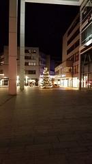 Perspective (grinnin1110) Tags: rheinlandpfalz ambrand de deutschland rhinelandpalatinate weihnachtsbaum night christmastree germany newyearseve outdoor shoppingcenter europe landeshauptstadt mainz