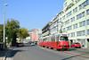 Wien (A), 02.10.17, E1 4863 + c4 1354 auf Linie 25 nach Aspern (Andreas Beeck) Tags: sgp simmering düwag duewag aspern 25 wien wiener linien e1 c4 rotax carminweg josefbaumanngasse