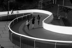Girls in Brazil (Luiz Contreira) Tags: people girls streetphotography street southamerica sunset garotas brazilianphotographer blackwhite bw brazil brasil américadosul niterói riodejaneiro arquitetura architecture pretoebranco pb pessoas