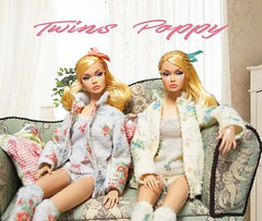 Twins Poppy (RockWan FR) Tags: poppyparker tothefair twins fashionroyalty integritytoys girl roomware