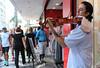Apaixonado pela música. (fotojornalismoespm) Tags: musica santos violino gaita talento fotojornalismo taísa espm gonzaga musicos artistas culturas pinturas fotografias feirahippie artesanato tecidos bordados