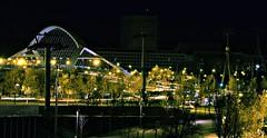 Puente del Tercer Milenio y edificios expo (portalealba) Tags: zaragoza zaragozaparque aragon españa spain puentes expo noche nocturna portalealba canon eos1300d 1001nights 1001nightsmagiccity