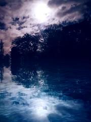 "Hello 2018  ""Reflecting under the Moon tonight"" (muigee@) Tags: moon moonlighting fullmmon 2018 nightshot reflection waterreflection creativeart england backyard inspired mood"
