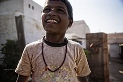 ENFANT DE BADAMI (pierre.arnoldi) Tags: inde india badami karnataka pierrearnoldi photographequébécois on1raw2018 canon6d tamron photoderue photooriginale photocouleur enfants portraitdenfant