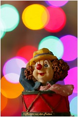 Happy Clown (Hetwie) Tags: bokeh light macro macromaandag macromonday bokehballs licht clown helmond noordbrabant nederland nl